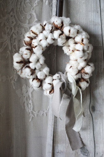 cottonflowerwreath.jpg